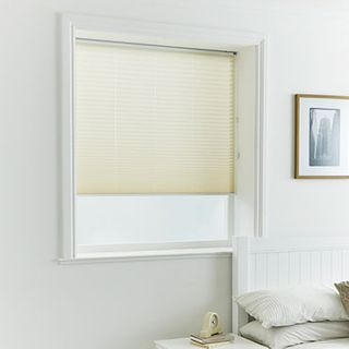 Pleated Blind_Alayna Cream_Roomset