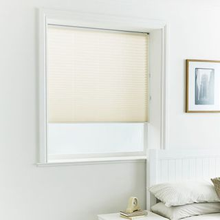 Pleated Blind_Alayna Natural_Roomset