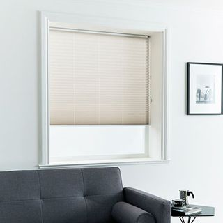 Pleated Blind_Geneva Natural_Roomset