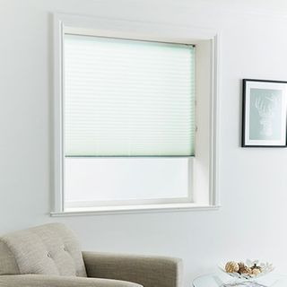 Pleated Blind_Mini Stripe Aqua_Roomset