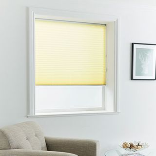 Pleated Blind_Mini Stripe Maize_Roomset