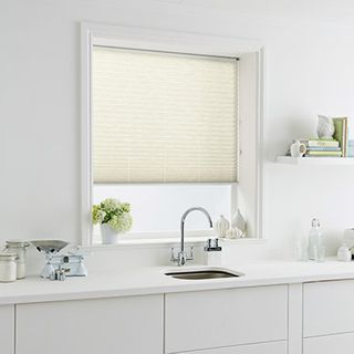 Pleated Blind_Montoya Sand_Roomset