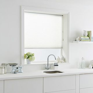 Pleated Blind_Montoya White_Roomset