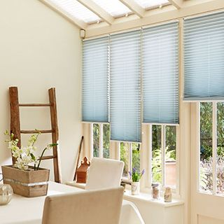 Pleated Blind_Sasso Aqua_Roomset