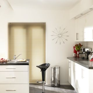 Venetian Blind_Aluwood Scottish Pine_Roomset