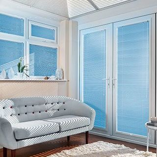 Venetian Blind_Special Finish Midnight Blue_Roomset