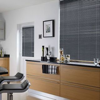 Venetian Blind_Special Finish Twighlight Grey_Roomset