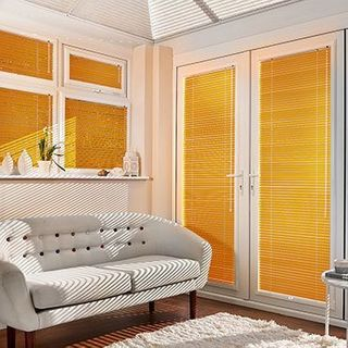 Venetian Blind_Spectrum Orange_Roomset