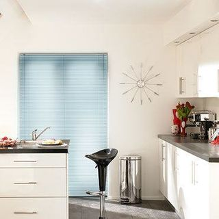 Venetian Blind_Studio Ice Blue_Roomset