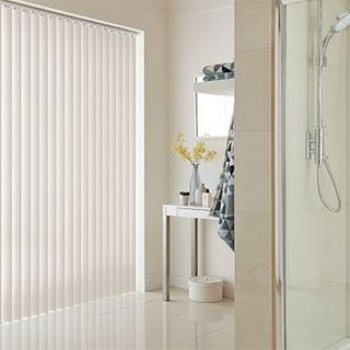 Vertical Blind_Canterbury Cream_Roomset