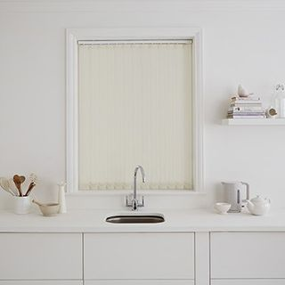 Vertical Blind_Hexham Ivory_Roomset