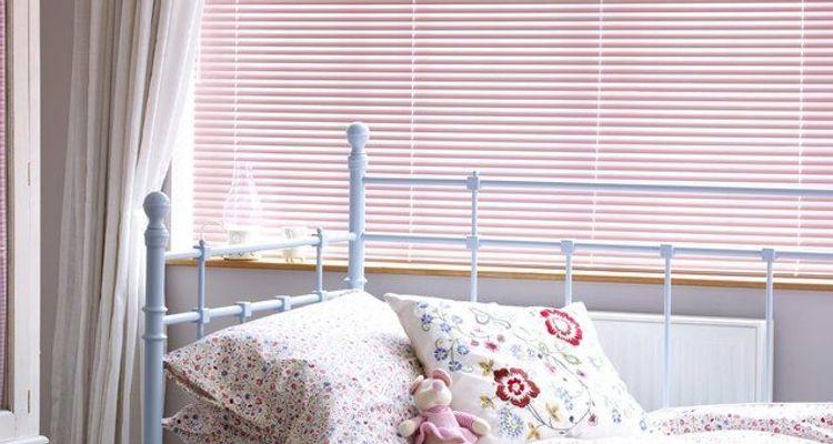 venetian blinds 50 off venetian blinds hillarys. Black Bedroom Furniture Sets. Home Design Ideas