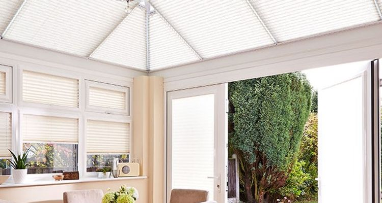 conservatory-pleated-blind-white-roof-sides