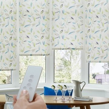 Blue-roller-blind-Dining-room-Joya-Aqua-motorised-blind