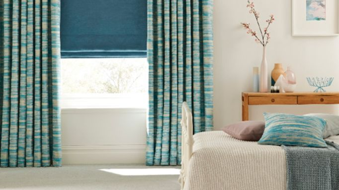 Turqouise-curtains-and-roman-blind-bedroom