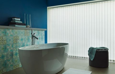 Alma Ivory Vertical blind bathroom