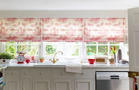 Toile Cherry Roman blind