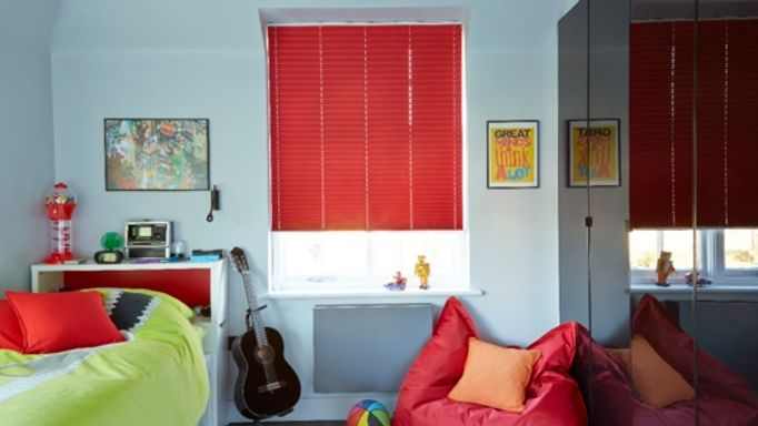 Lanbury Red Pleated blind
