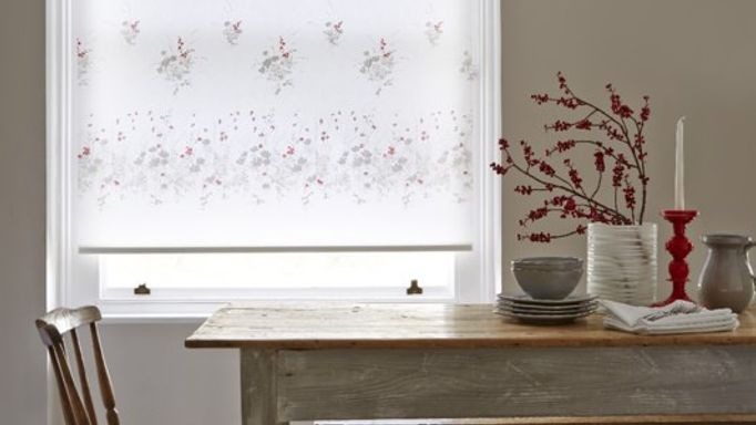 Meadow Way Poppy Floral Roller Blind in the dining room