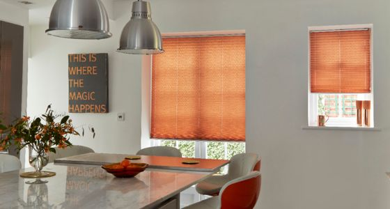 Moreno Rust Pleated blind -