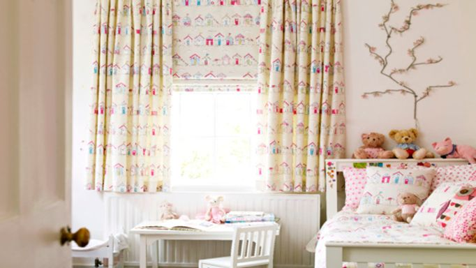 Roman blind and curtains in children's bedroom