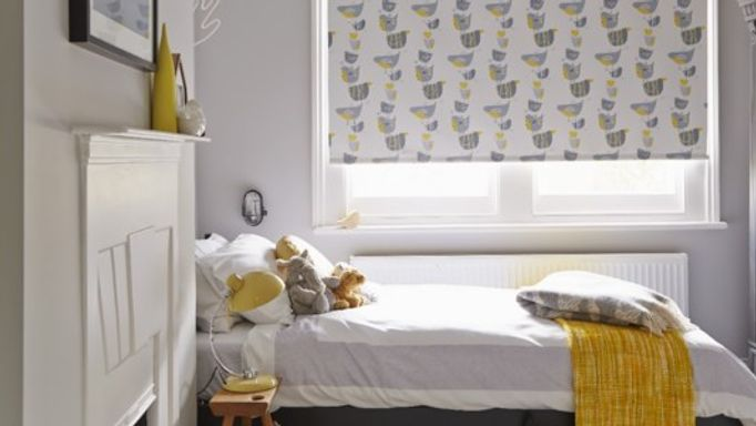 Dickie Bird Roller blind in children's bedroom