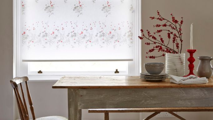 Meadow Way Floral Patterned Roller blind in Kitchen Diner