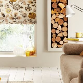 Jewel The Edit: sofa and window amber Bohemia Gold Roman blind