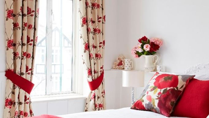 lambay rose curtains in bedroom