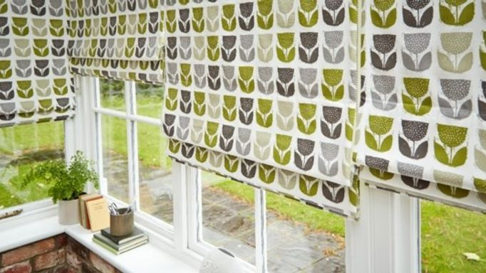 rayna-apple-roman-blinds