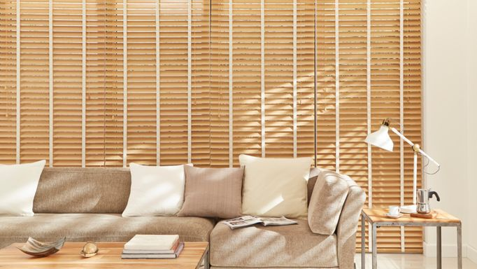 Scandinavian Beechwood Wooden venetian blinds living room