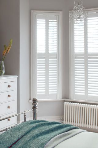white-shutter-bedroom-windsor-white