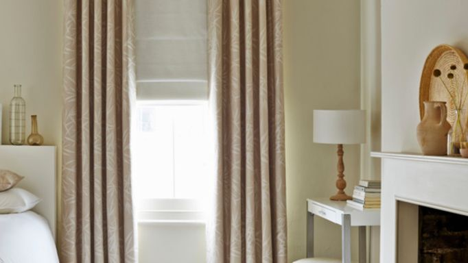 House-Beautiful-Bamboo-Linen-curtains-with-Mineral-Chalk-Roman-blind-bedroom