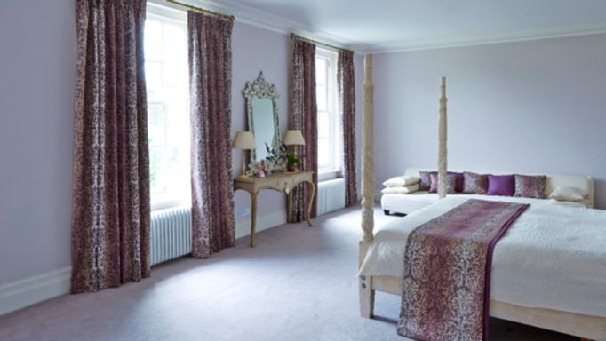 House-Beautiful-Baroque-Damask-curtains-bedroom