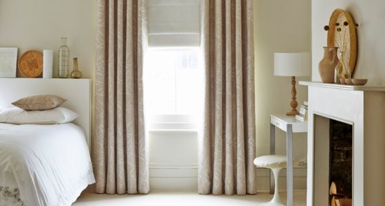 House-Beautiful-Bamboo-Linen-curtain-with-Mineral-Chalk-roman-blind-bedroom -