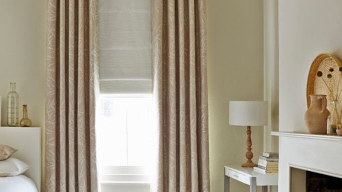House-Beautiful-Bamboo-Linen-curtain-with-Mineral-Chalk-roman-blind-bedroom