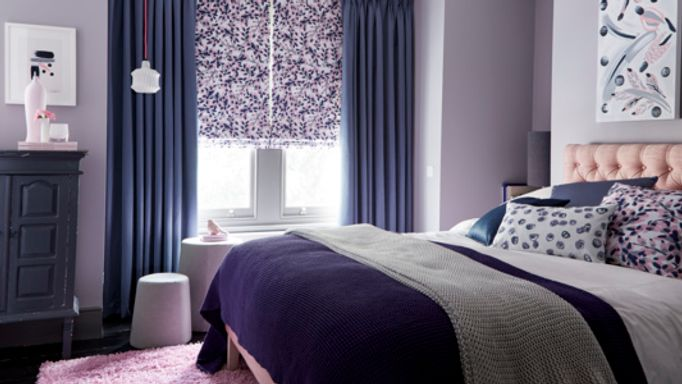 Charlotte-Beevor-Indigo-Garden-Iris-Shadow-curtains-with-Grapeflower-Blush-Roman-blind-bedroom