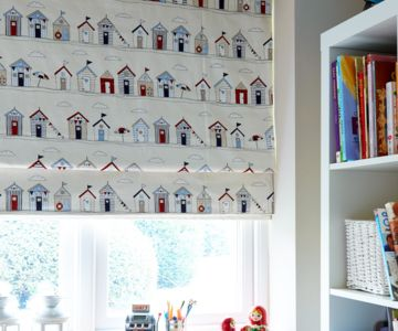 Nursery patterned roller blind