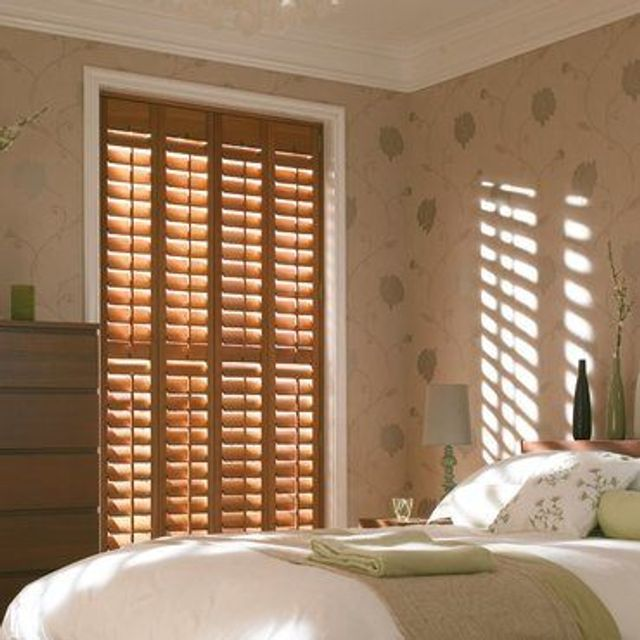 Roomset---french-oak-shutter