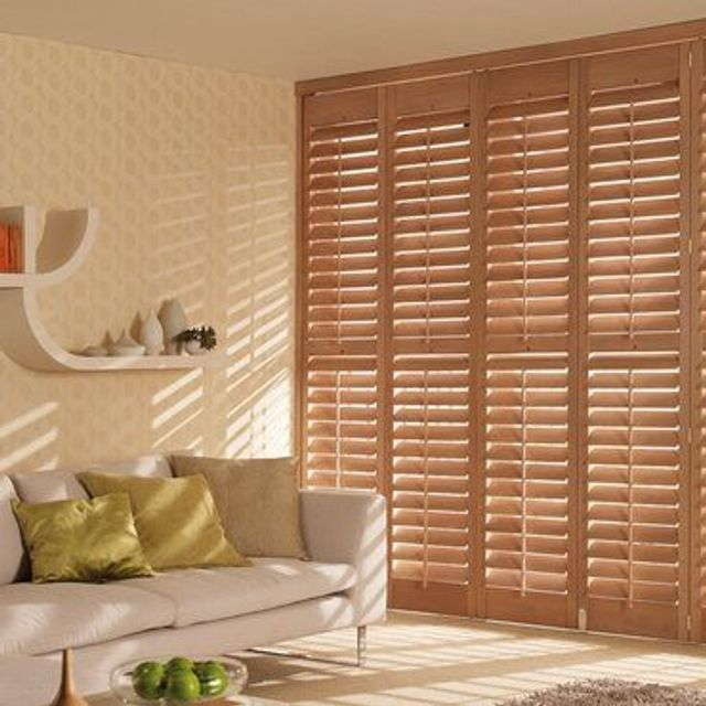 Roomset---medium-oak-shutter