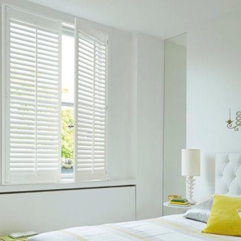 Roomset---pure-white-shutter