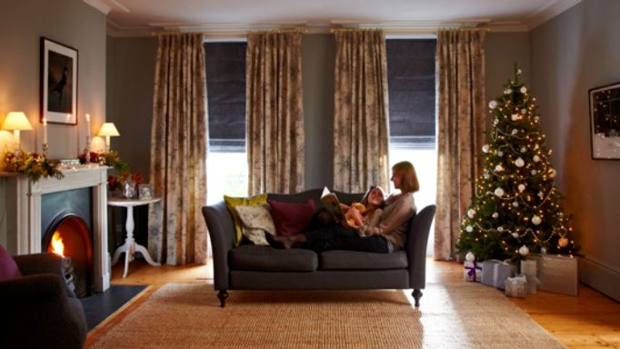 Leyla Jet-Curtains-with-Tetbury Charcoal-Roman blinds