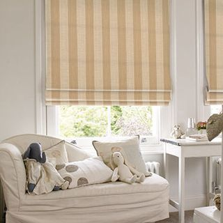 Roman Blind_Chester Linen_Roomset