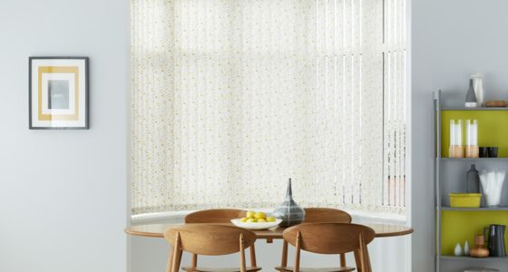 Edre-Gold-Vertical-blind-in-a-curved-bay-window -